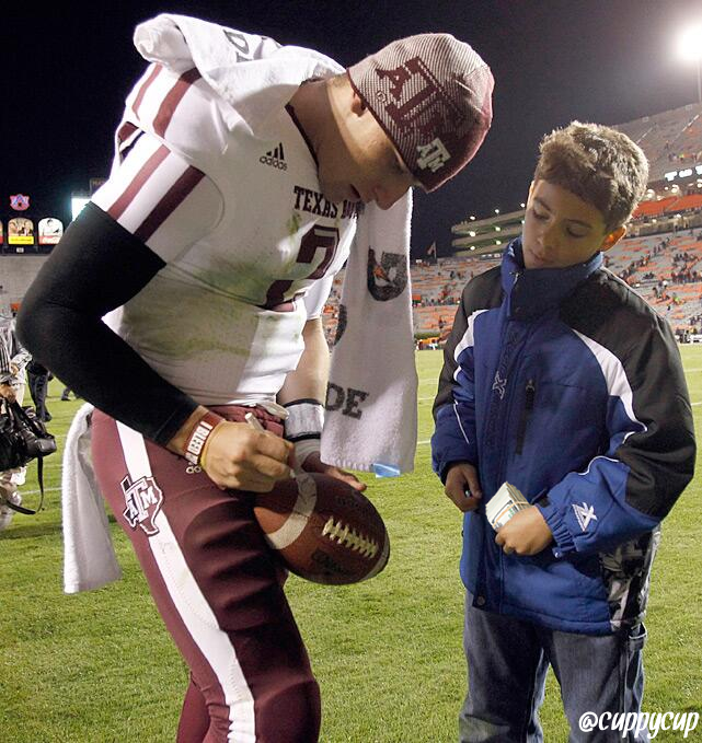 Can you follow the money in Johnny Manziel pay-for-autographs' reports ... Johnny Manziel Rich